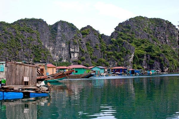TravelPass.gr - Halong: Εκπληκτικής ομορφιάς θαλάσσιο πάρκο στο Βιετνάμ