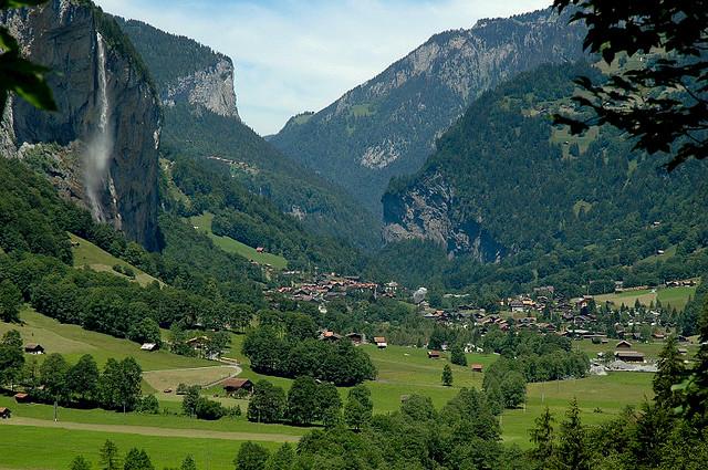 TravelPass.gr - Lauterbrunnen: Μαγευτικό χωριό στις Άλπεις