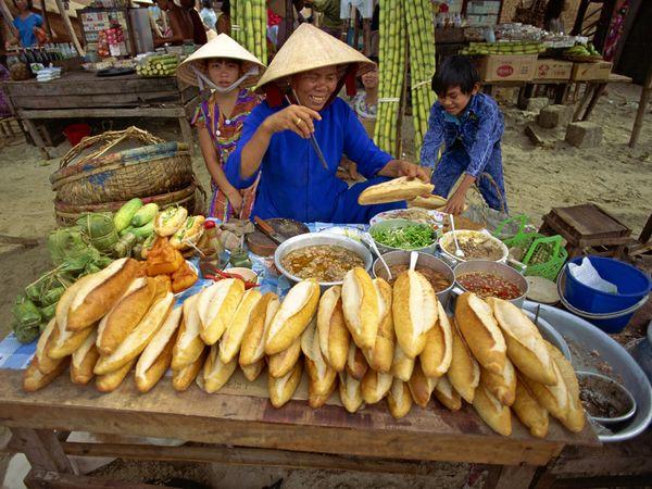 Φαγητό στο χέρι σε διάφορα σημεία του πλανήτη
