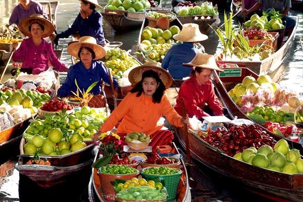 TravelPass.gr - Η πολύχρωμη πλωτή αγορά της Μπανγκόκ