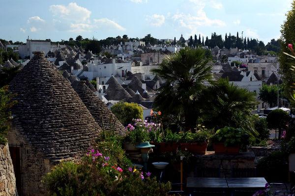 TravelPass.gr - Alberobello: Η πόλη των παραμυθένιων τρούλων