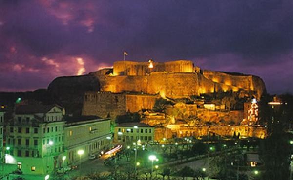 TravelPass.gr - Νυχτερινά τοπία της Κέρκυρας - Η παρέα των αστεριών