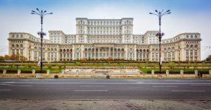 Το Παλάτι της Βουλής στο Βουκουρέστι είναι το μεγαλύτερο κτίριο στην Ευρώπη!