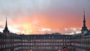 Πλάθα Μαγιόρ: Η περίκλειστη κεντρική πλατεία της Μαδρίτης