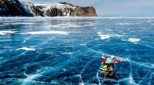 Μαγευτικές φωτογραφίες από την παγωμένη λίμνη Βαϊκάλη