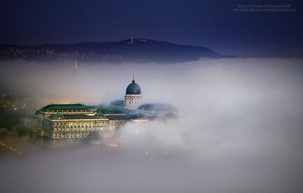Travelpass.gr-Όταν οι γέφυρες της Βουδαπέστης ξεπροβάλλουν μέσα από την ομίχλη