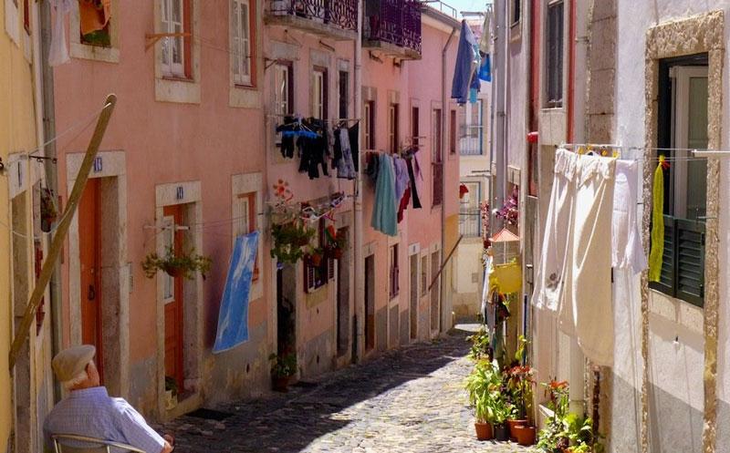 TravelPass.gr -Αλφάμα: Η αυθεντική γειτονιά της Λισαβόνας