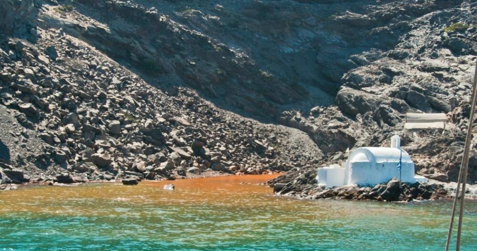 Οι 10 εντυπωσιακότερες παραλίες της Σαντορίνης