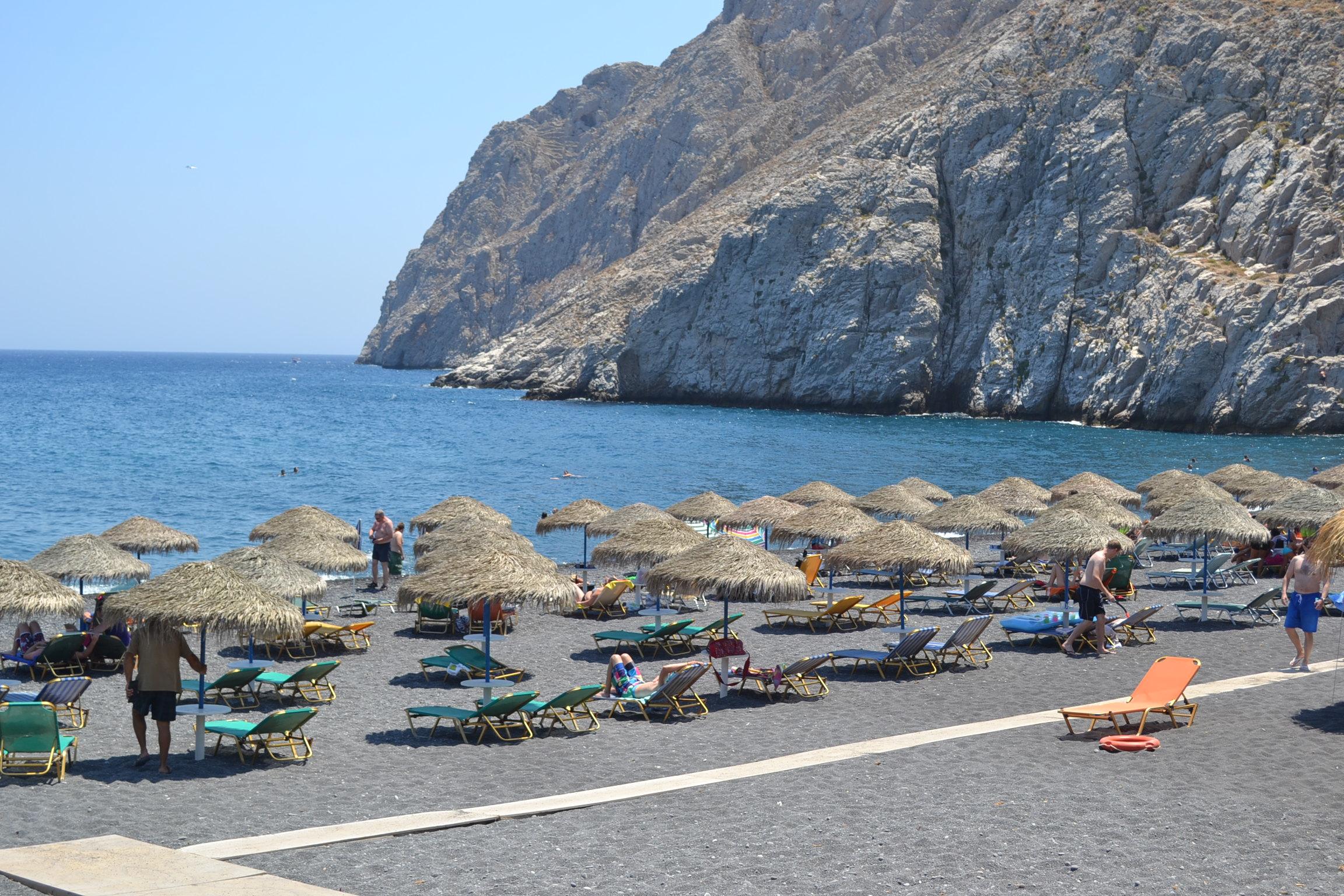Travelpass.gr - Οι 10 εντυπωσιακότερες παραλίες της Σαντορίνης